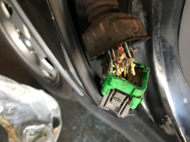 1999 CRV Driver's Door Connetor Wires Broken
